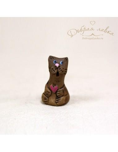 Маленький котик из глины